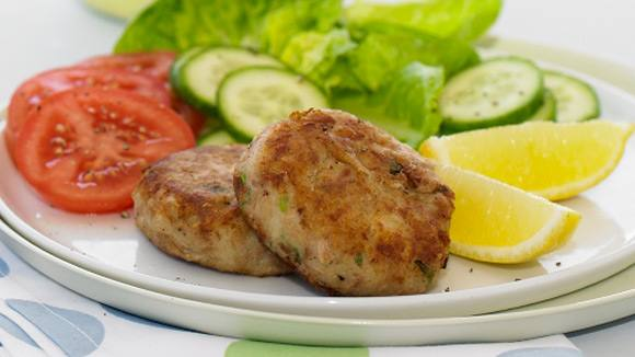 Tuna Potato Cakes Green Salad