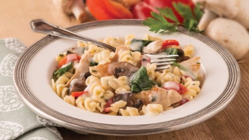Alfredo with Roasted Red Capsicum, Chicken & Mushrooms
